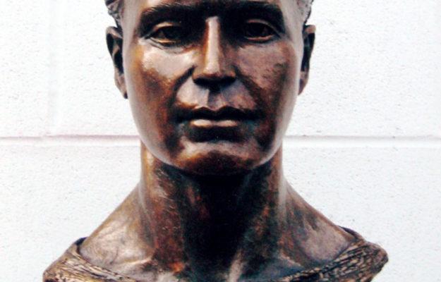 Hobey Baker bust